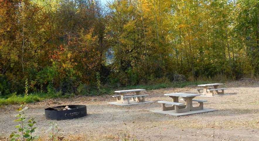 ferry landing picnic table2